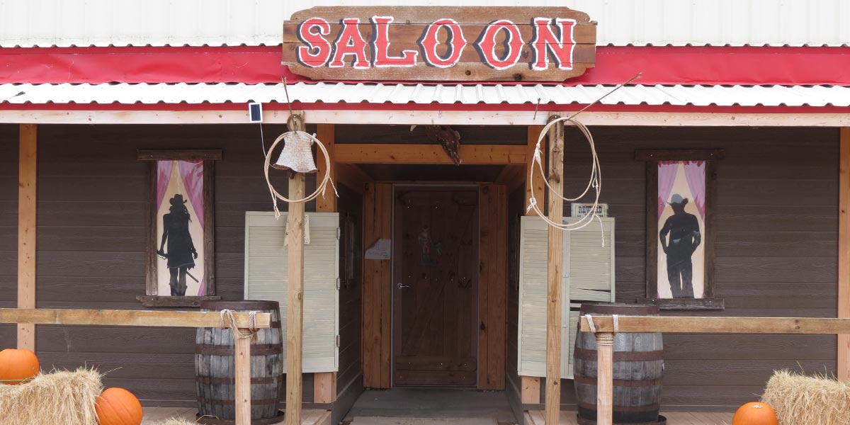 old-miners-maze-saloon-entrance